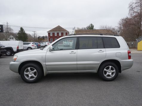 2004 Toyota Highlander Base | Whitman, MA | Martin's Pre-Owned Auto Center in Whitman, MA