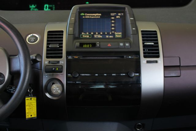 2004 Toyota Prius Hybrid FWD - Pkg 1 - ?51 MPG CITY/60 MPG HWY! Mooresville , NC 8