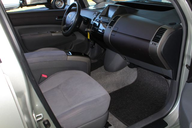 2004 Toyota Prius Hybrid FWD - Pkg 1 - ?51 MPG CITY/60 MPG HWY! Mooresville , NC 27