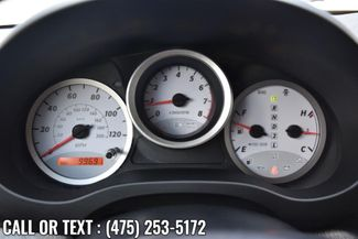2004 Toyota RAV4 4dr Auto 4WD Waterbury, Connecticut 22