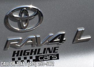 2004 Toyota RAV4 4dr Auto 4WD Waterbury, Connecticut 8