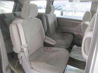 2004 Toyota Sienna LE Gardena, California 11
