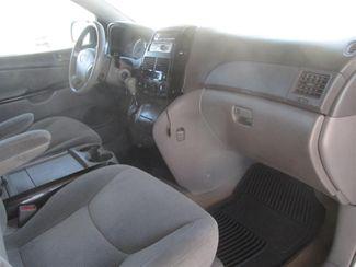 2004 Toyota Sienna LE Gardena, California 7