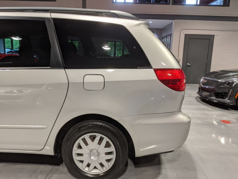 2004 Toyota Sienna LE  Lake Forest IL  Executive Motor Carz  in Lake Forest, IL