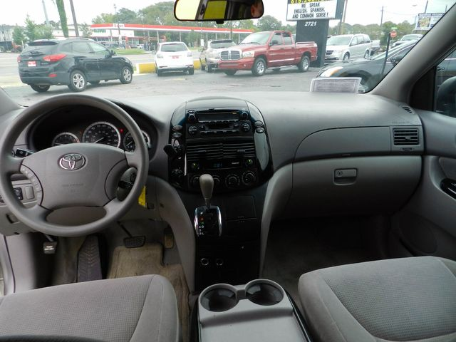 2004 Toyota Sienna LE in Nashville, Tennessee 37211