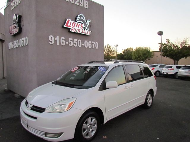 2004 Toyota Sienna XLE Extra Clean