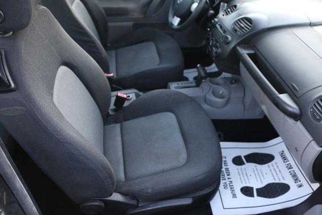 2004 Volkswagen New Beetle GL Santa Clarita, CA 13