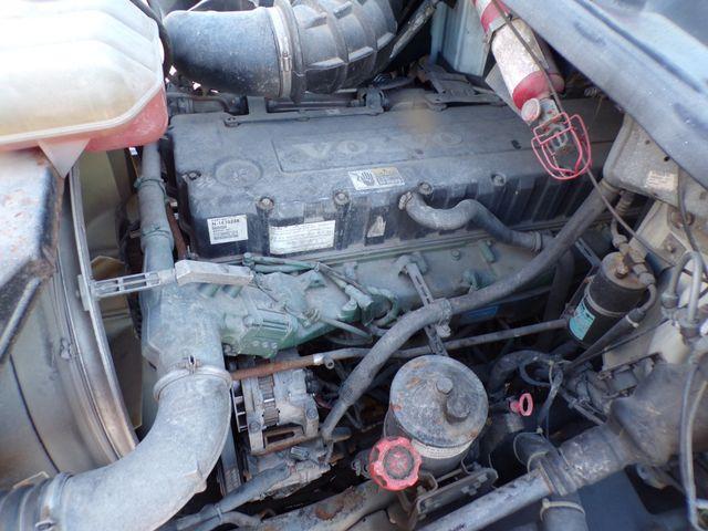2004 Volvo Ravenna, MI 18