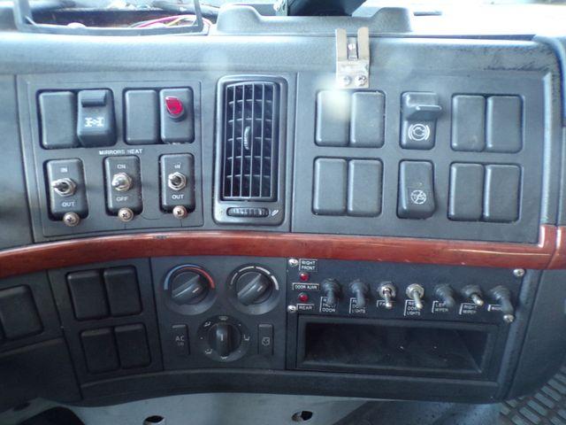 2004 Volvo Ravenna, MI 25