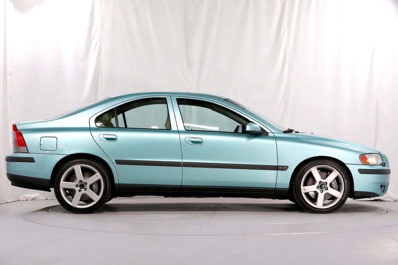 2004 Volvo S60 R - AWD - 300hp - New tires  city California  MDK International  in Los Angeles, California