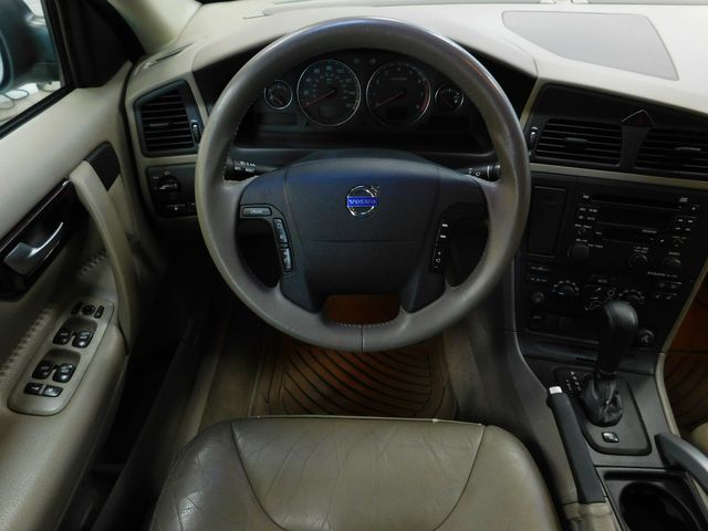 2004 Volvo V70 XC70 in Airport Motor Mile ( Metro Knoxville ), TN 37777