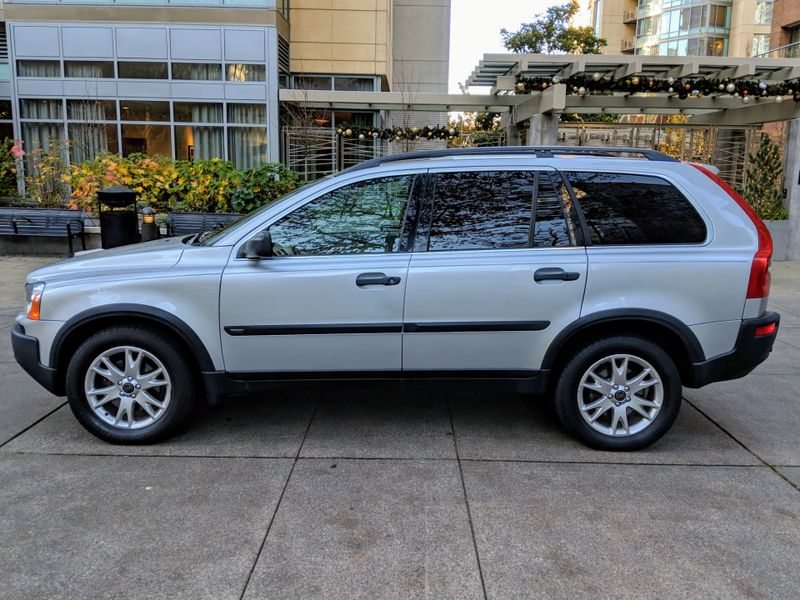 2004 Volvo XC90 T6 All Wheel Drive Sport Utility Local 2 Owner Heated Seats Moonroof Transmission Rebuilt  city Washington  Complete Automotive  in Seattle, Washington