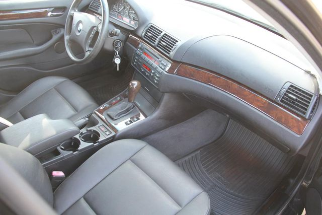 2005 BMW 325i Santa Clarita, CA 9
