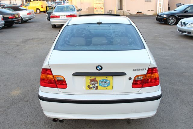 2005 BMW 325i SEDAN SPORTS PKG XENON NEW TIRES in Woodland Hills CA, 91367