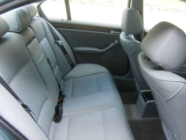 2005 BMW 325i in West Chester, PA 19382