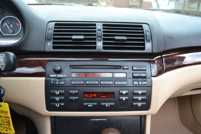 2005 BMW 330Ci   city New  Father  Son Auto Corp   in Lynbrook, New