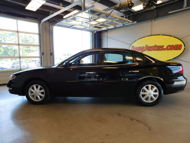 2005 Buick LaCrosse CXL  city TN  Doug Justus Auto Center Inc  in Airport Motor Mile ( Metro Knoxville ), TN