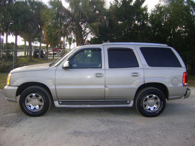 2005 Cadillac Escalade AWD LUXURY