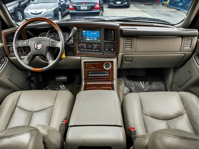 2005 Cadillac Escalade LUXURY Burbank, CA 8