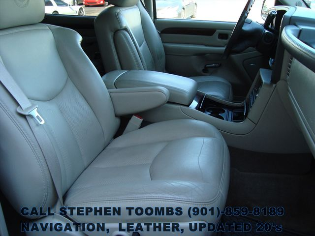 2005 Cadillac Escalade LEATHER, NAVIGATION, UPDATED 20's in Memphis, Tennessee 38115