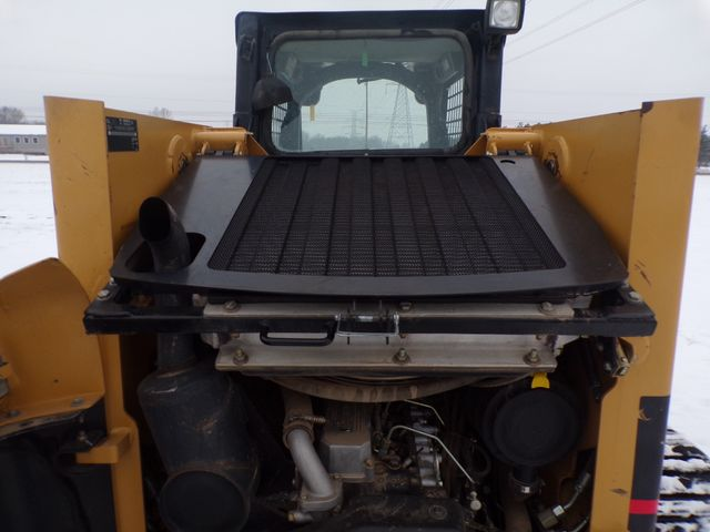 2005 Cat Skid Steer in Ravenna, MI 49451