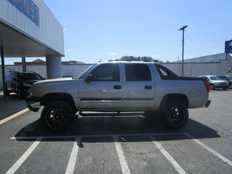 2005 Chevrolet Avalanche LS Lifted in Abilene, TX