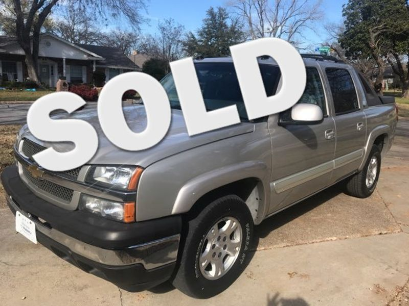 2005 Chevrolet Avalanche 1500 LT Crew Cab Excellent Condition | Ft. Worth, TX | Auto World Sales in Ft. Worth TX