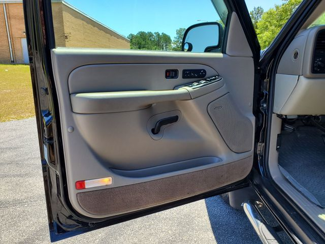 2005 Chevrolet Avalanche Z71 in Hope Mills, NC 28348