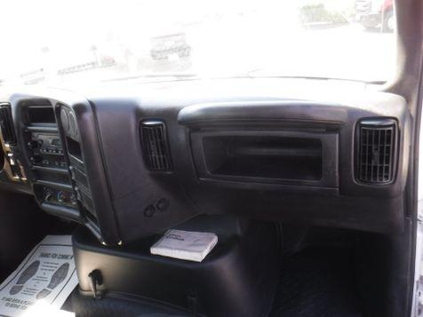 2005 Chevrolet C6500 16FT Flatbed Non CDL Truck in Ephrata, PA