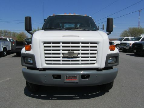 2005 Chevrolet C6500 16' Stake Flatbed Non CDL Truck in Ephrata, PA