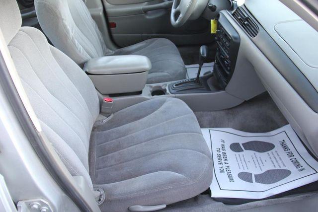 2005 Chevrolet Classic Santa Clarita, CA 15