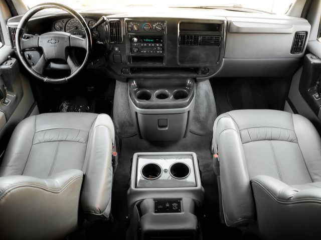 2005 Chevrolet Express  EXPLORER LIMITED SE Burbank, CA 9