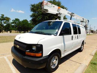 2005 Chevrolet Express Cargo Van, BUCKET/BOOM,Dur-A-Lift Irving, Texas