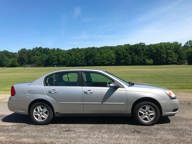2005 Chevrolet Malibu Base Ravenna, Ohio 4