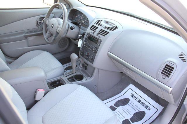 2005 Chevrolet Malibu Base Santa Clarita, CA 9