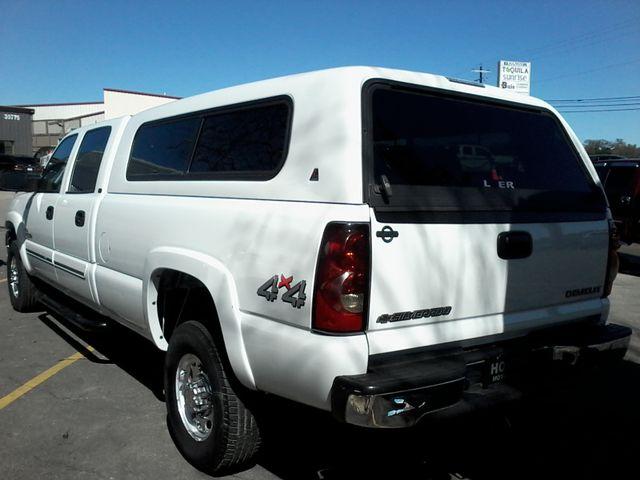 2005 Chevrolet Silverado 2500HD LT DURAMAX 4X4 Boerne, Texas 3