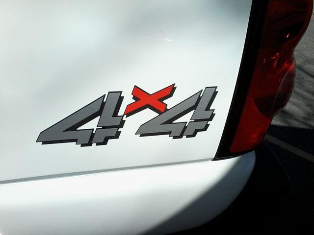 2005 Chevrolet Silverado 2500HD LT DURAMAX 4X4 Boerne, Texas 9