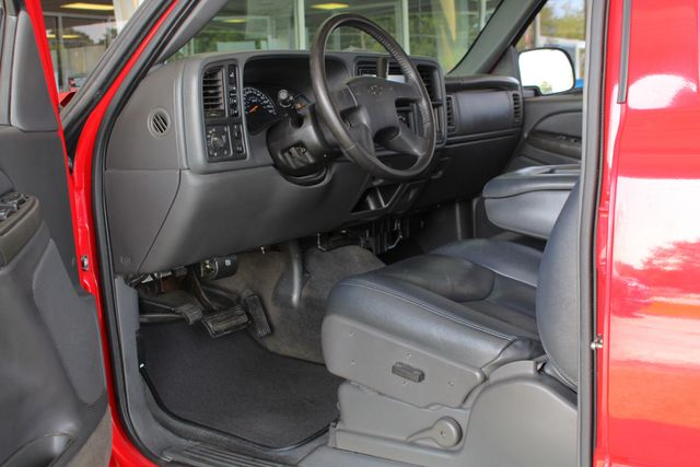 2005 Chevrolet Silverado 2500HD LS Crew Cab 4x4 - LEATHER - DURAMAX - ALLISON! Mooresville , NC 26