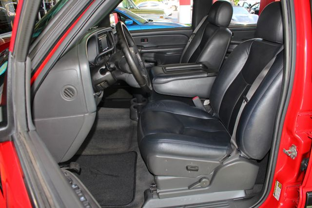 2005 Chevrolet Silverado 2500HD LS Crew Cab 4x4 - LEATHER - DURAMAX - ALLISON! Mooresville , NC 6