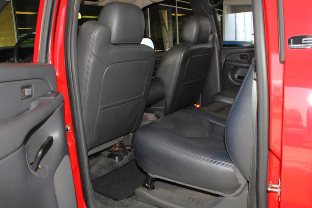 2005 Chevrolet Silverado 2500HD LS Crew Cab 4x4 - LEATHER - DURAMAX - ALLISON! Mooresville , NC 33