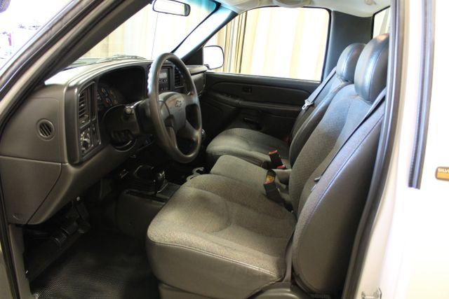 2005 Chevrolet Silverado 2500HD Diesel 4x4 Manual Work Truck in Roscoe, IL 61073