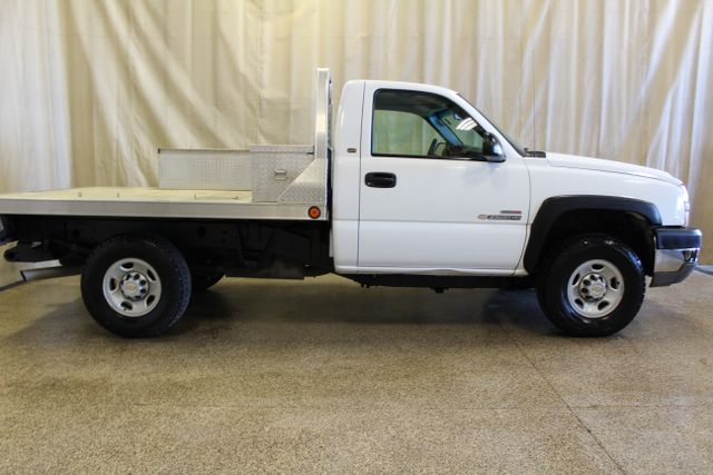 2005 Chevrolet Silverado 2500HD Diesel 4x4 Manual Work Truck in Roscoe, IL 61073