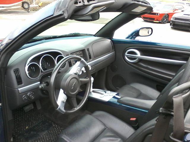 2005 Chevrolet SSR LS2 Boerne, Texas 11