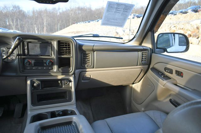 2005 Chevrolet Suburban LT Naugatuck, Connecticut 18
