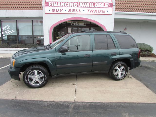 2005 Chevrolet TrailBlazer LS 4WD in Fremont, OH 43420