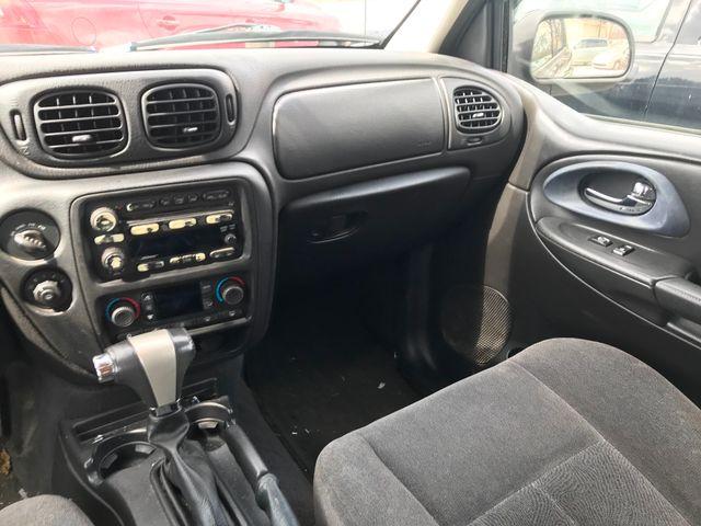 2005 Chevrolet TrailBlazer LT Ravenna, Ohio 8
