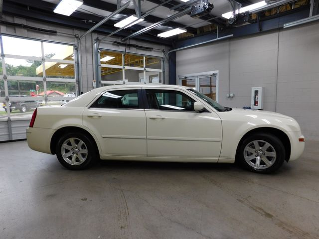 2005 Chrysler 300 Touring in Airport Motor Mile ( Metro Knoxville ), TN 37777