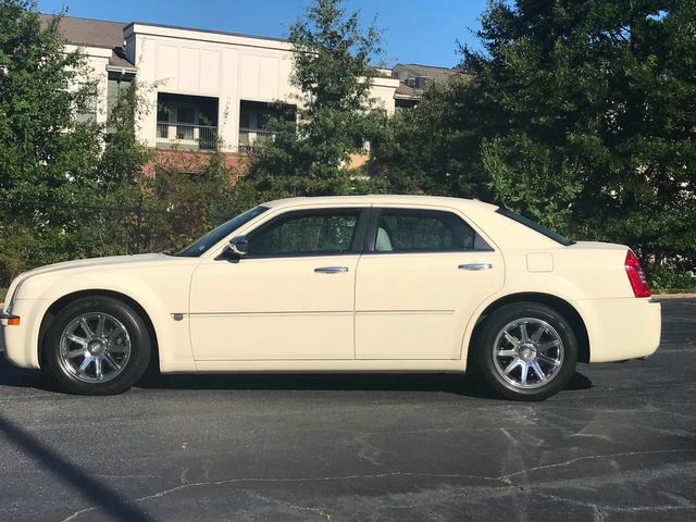 2005 Chrysler 300 300C in Atlanta, Georgia 30341