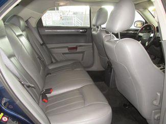 2005 Chrysler 300 300C Gardena, California 11