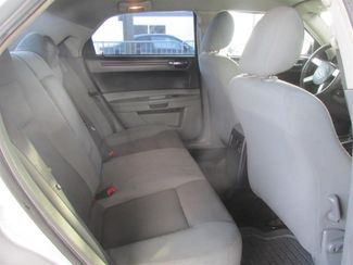 2005 Chrysler 300 Gardena, California 12